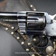 Superbe revolver Colt 1895 DA calibre .38 et plaquettes nacre