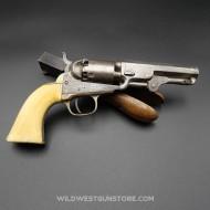 Revolver Colt Pocket 1849 Gravé avec crosse Ivoire